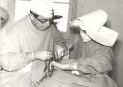 Metge i Germana treballant a l'Asil Sant Rafael